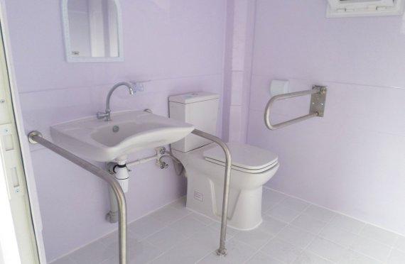 215x215 Portabel Handikappet Toalett Stuga